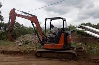 Tertimbun Lumpur dan Material, Jalan di Lingkungan Nggaro Bae Dibersihkan