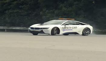 BMW İ8 Drift Şovunu İzle