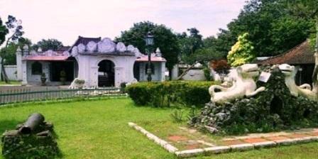 Keraton Kasepuhan tempat wisata di daerah cirebon objek wisata di cirebon dan kuningan