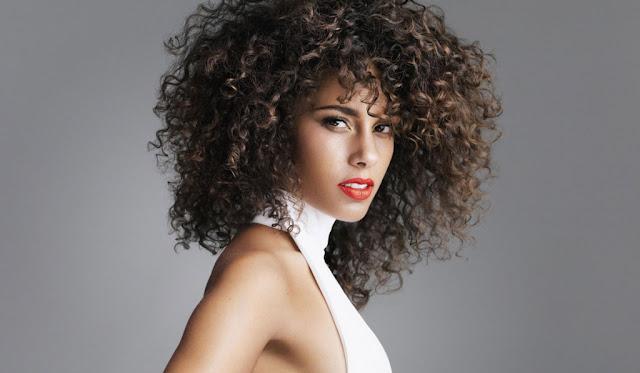 Alicia Keys   hermosa mujer mulata o de raza mixta