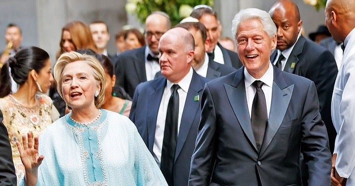 Hillary Clinton Looks Gorgeous In 'agbada'