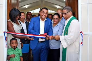 Demetrio Lluberes  inaugura Iglesia católica San Pedro Apostol en Yaguate