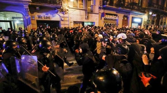 Quinta noche de disturbios en España por el encarcelamiento de Pablo Hásel