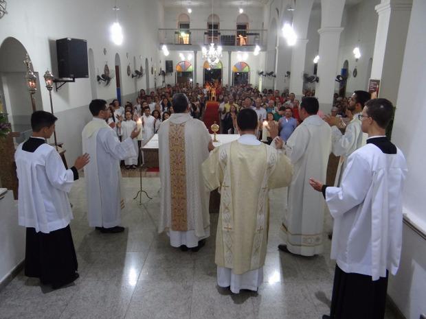 Festa dos padroeiros de Santa Cruz segue com sua programação religiosa