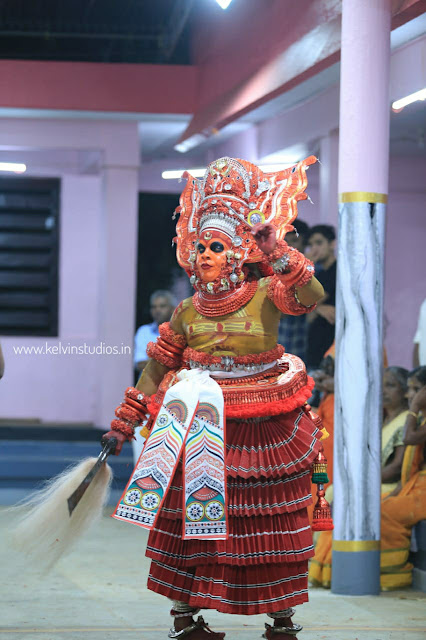 Theyyam - വേട്ടക്കൊരുമകൻ വെള്ളാട്ടം