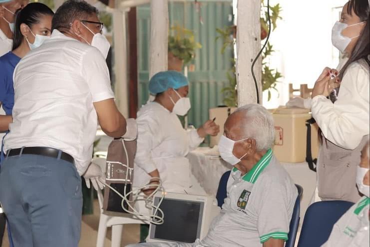hoyennoticia.com, Reiniciaron en Riohacha la vacunación contra el Covid-19 a mayores de 70 años