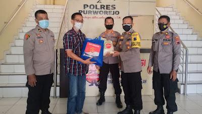 Dukung Jogo Wartawan, Polres Purworejo Salurkan Paket Sembako