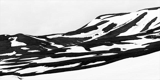 """Nie ma szczęśliwszego zajęcia niż fotografia pejzażu - wernisaż wystawy fotografii Janusz Lech Wojcieszak """"Pano"""". Galeria ZPAF Katowice. Łukasz Cyrus, 2019."""