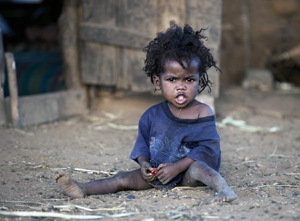20 лет назад забрал девочку из Африки к себе на родину. Рассказываю о том, кем она выросла