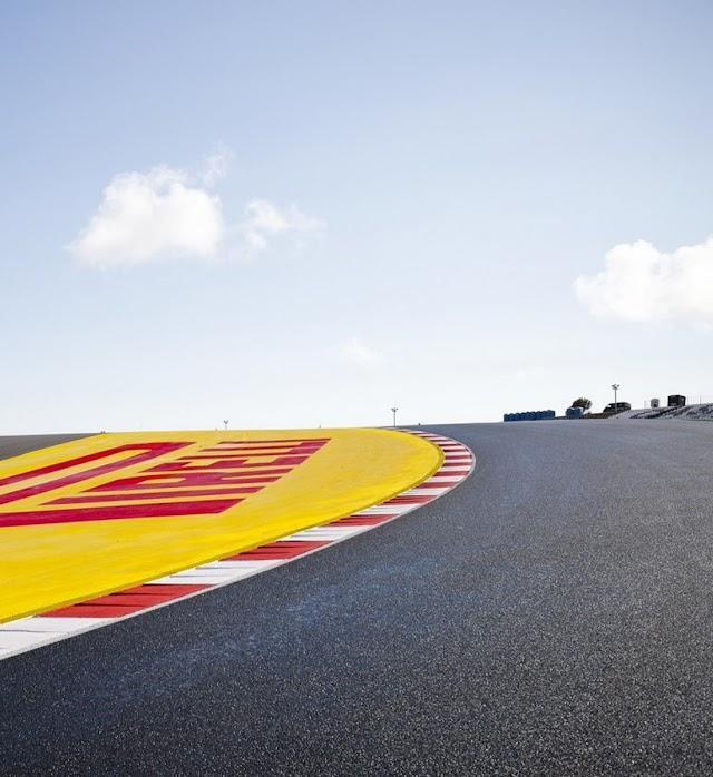 """""""Αέρα"""" η Mercedes στον γύρο ελεύθερων δοκιμών"""