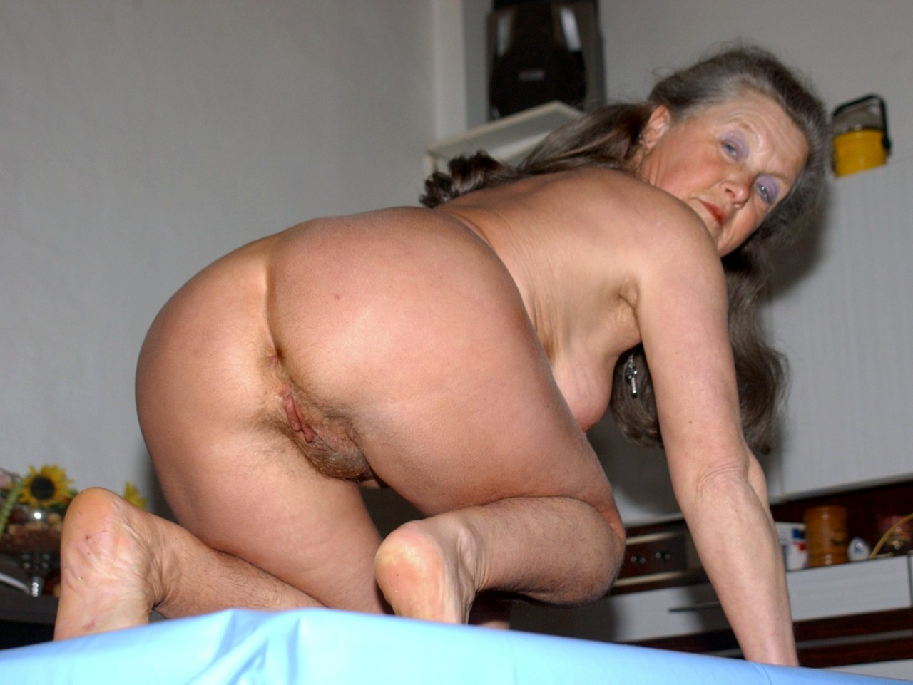 Open old granny ass sexy nude