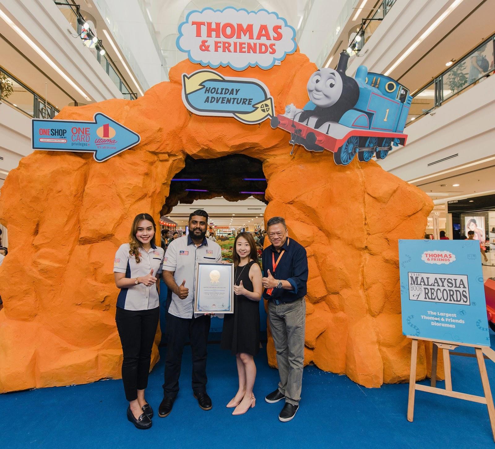 Thomas & Friends™ TrackMaster™ Tersenarai Dalam Malaysia Book of Records