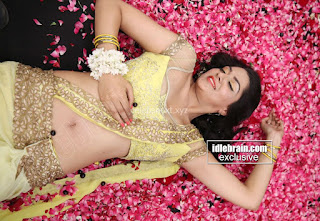Sakshi Chodary in Yellow Transparent Sareei Choli Spicy Pics 22 .xyz.jpg