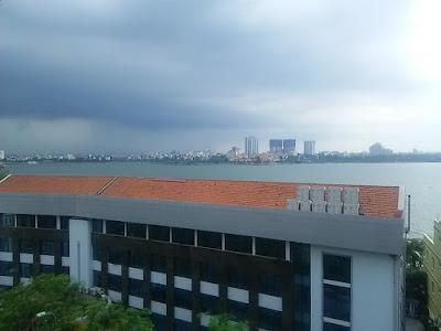 ベトナムハノイの雨雲