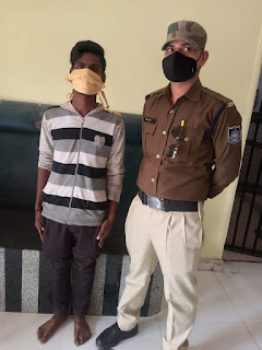 पुलिस ने चोर को किया गिरफ्तार, अपराधी के कब्जे से जप्त कि नगद राशि व सोने के आभूषण