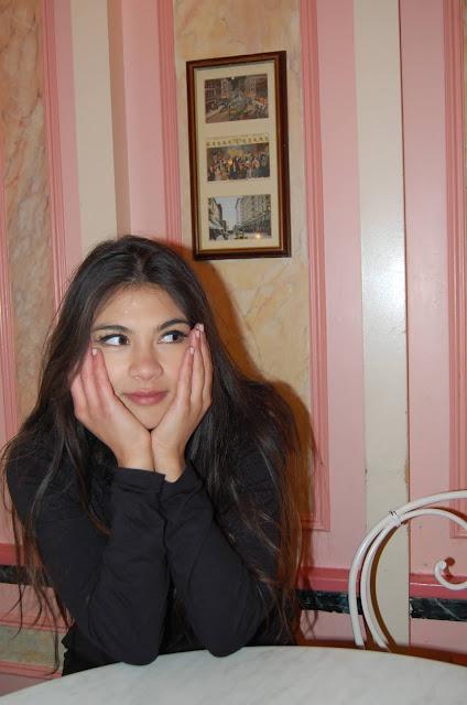 kelly fountain, Disneyland paris, ice cream parlor, fashion