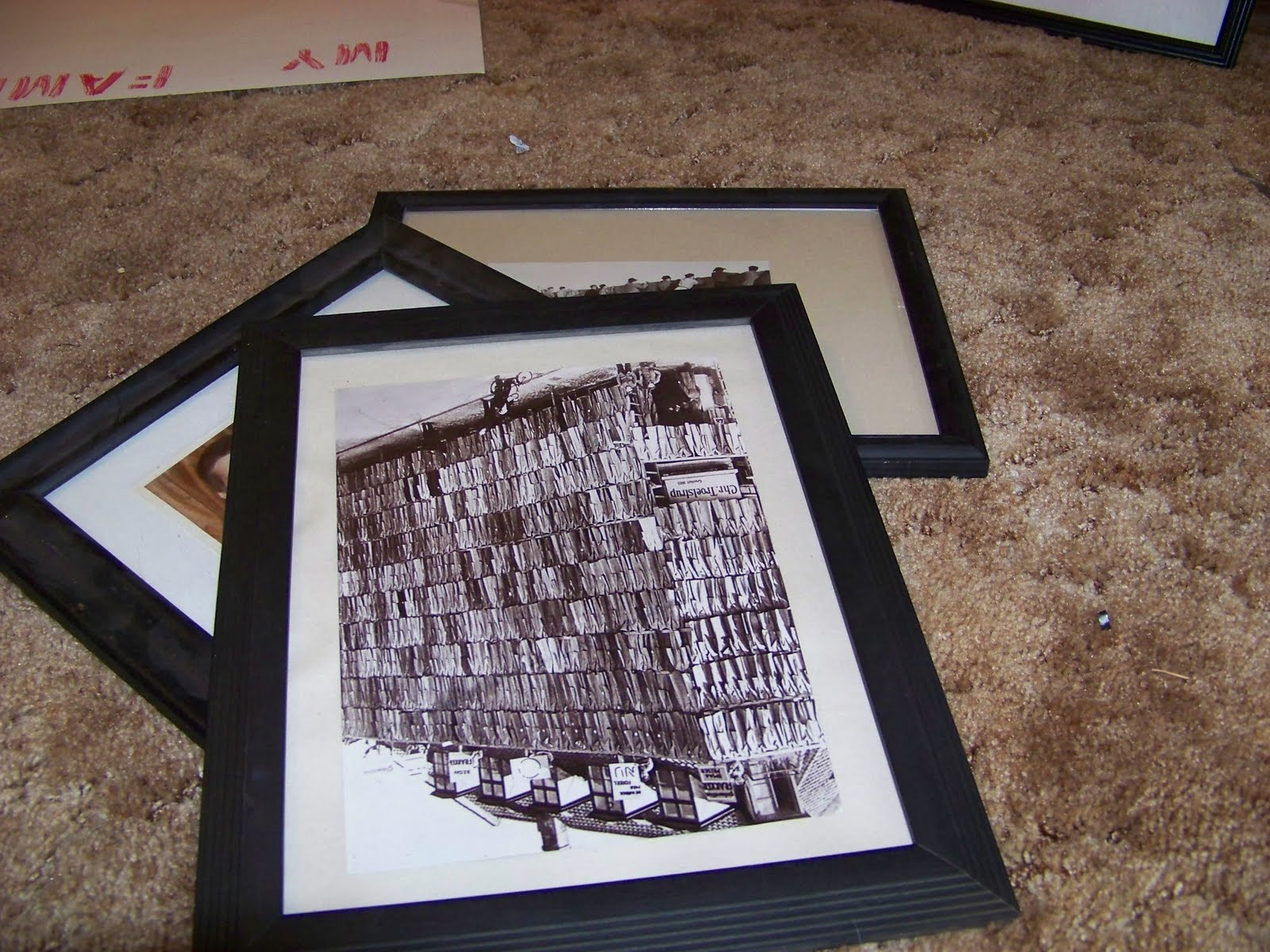 The Sunset Lane: DIY picture frame mattes for cheap