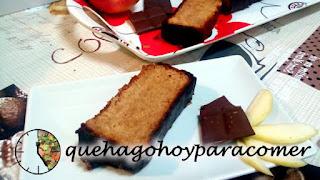 Bizcocho De Yogur Y Manzana Rallada Con Cobertura De Chocolate