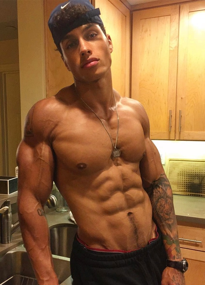 shirtless-muscle-black-dude-mixed-skin-color-sexy-dark-swole-bro