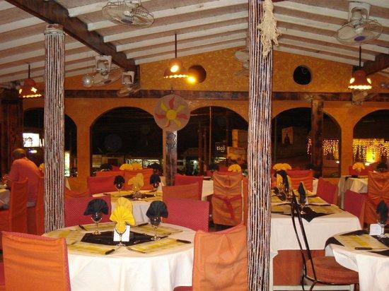 Soleil, restaurant, bar, saly, portudal, mbour, tourisme, orchestre, musique, menu, plat, cuisine, LEUKSENEGAL, Dakar, Sénégal, Afrique