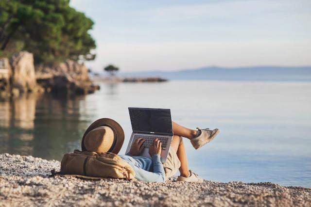 ASUS VivoBook 15 A516, Laptop Terbaik untuk Work From Home