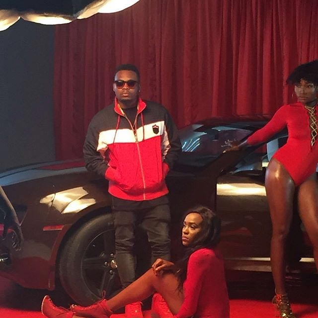Olamide releases pictures from music video set
