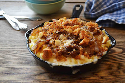 http://www.savorysimple.net/french-onion-soup-macaroni-and-cheese/