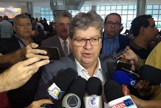 João Azevêdo deixa PSB e garante ida a partido de centro-esquerda