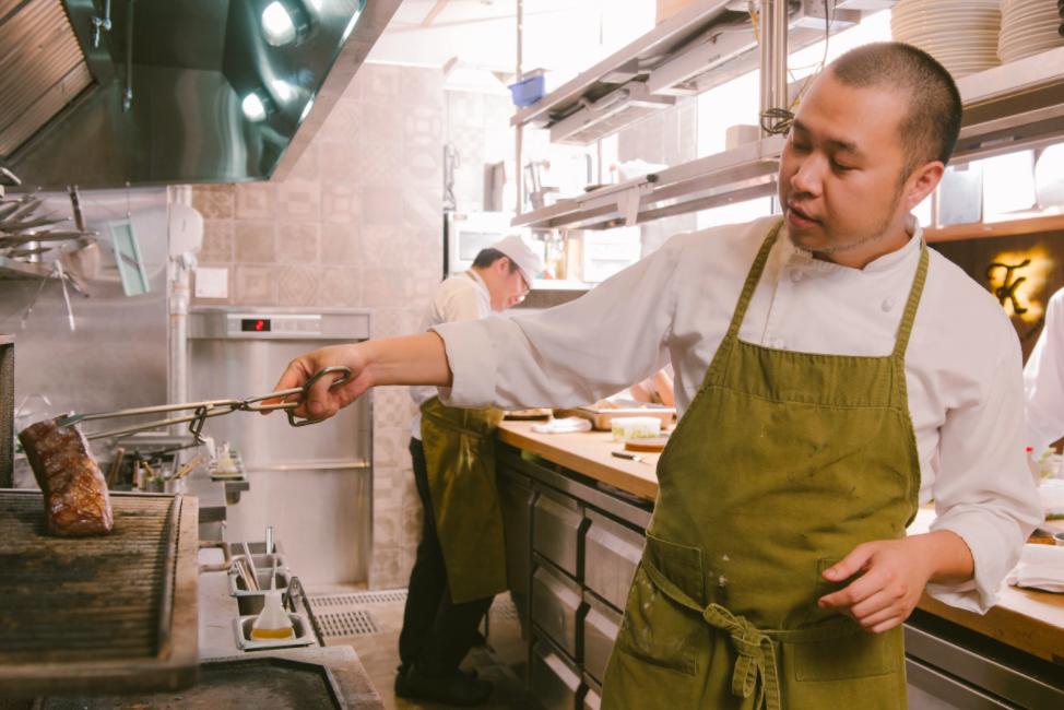 專題訪問|一道菜的背後:真實原味,食材的採集與詮釋 - 賦樂旅居 TK Seafood & Steak