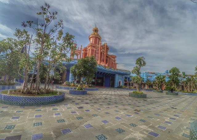 Istana Atlantis Land Kenpark Surabaya