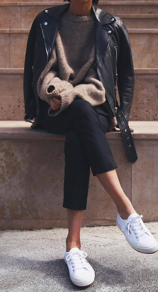street style addiction / biker jacket + oversized sweater + skinnies + sneakers