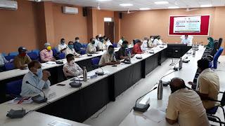 सांसद डामोर की अध्यक्षता में जिला स्तरीय संकट प्रबंधन समूह की बैठक आयोजित
