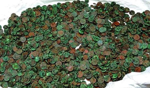 Kerala, News, Thiruvananthapuram, Lottery, Farmers, Police,Got Archaeological Coins from Farmer Territory