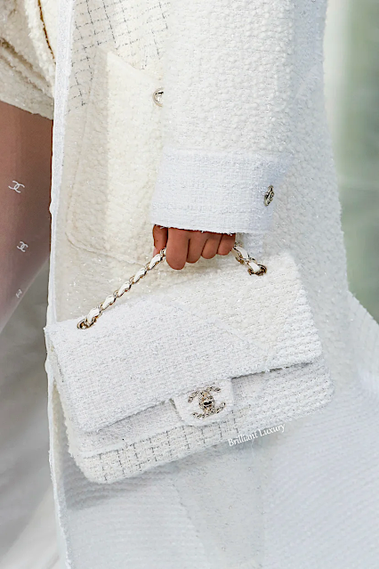 Timeless in flawness tweed Chanel white flap bag #brilliantluxury