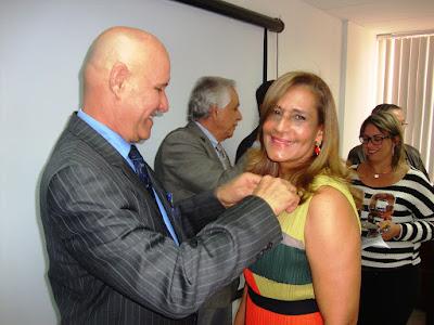 Condecorada nueva vicepresidenta de Fonprula