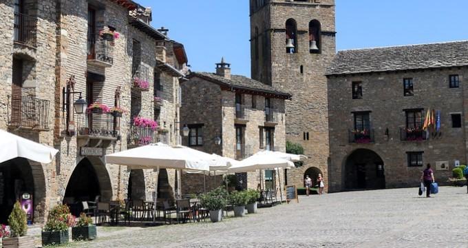 Puestos de trabajo vacantes para funcionarios en Madrid y Huesca
