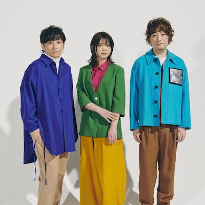Na imagem estão os membros da banda japonesa Ikimonogakari. Da esquerda para a direita: Yoshiki Mizuno, Kiyoe Yoshioka, Hotaka Yamashita.