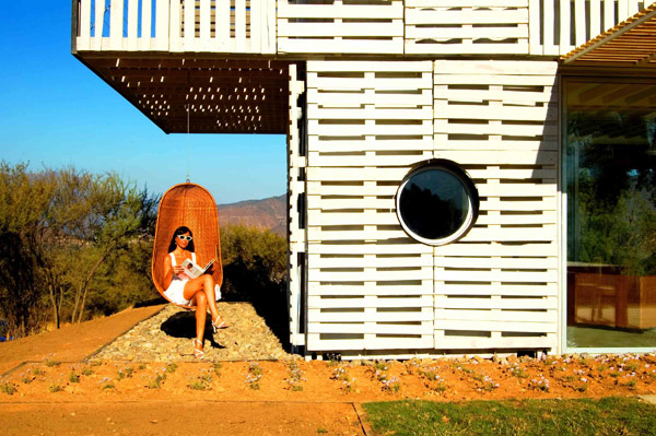 Shipping Container House with Dynamic Facade, Chile 18