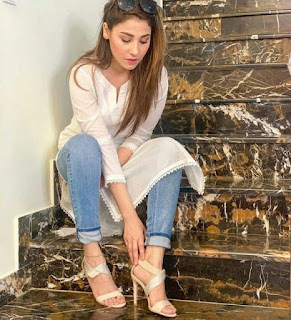 White kurti with jeans