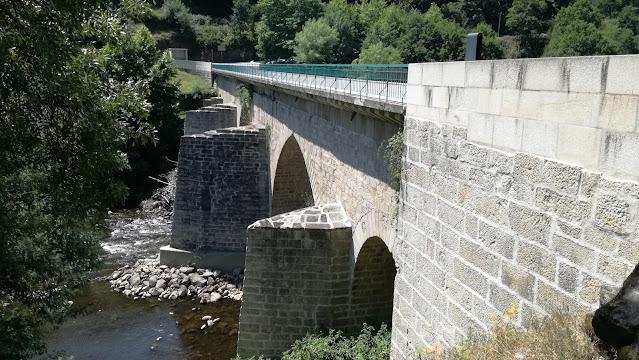 Ponte de Cavez sobre o Rio Tâmega