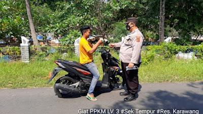 Polres Karawang Kegiatan OPS Yustisi PPKM Level 3 dan Pembagian Masker di Wilayah Tempuran