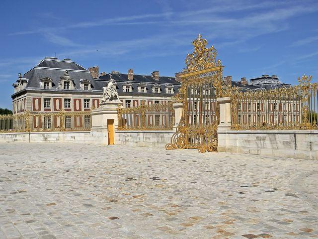 złoto, Wersal, paryska przygoda