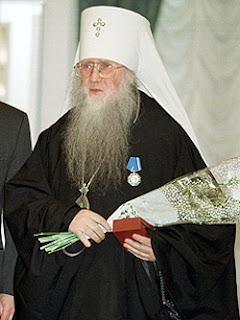 Митрополит Симон (Новиков), будучи архиепископом Рязанским и Касимовским, в 1991 году рукоположил Сергея Журавлева во священники (иереи)