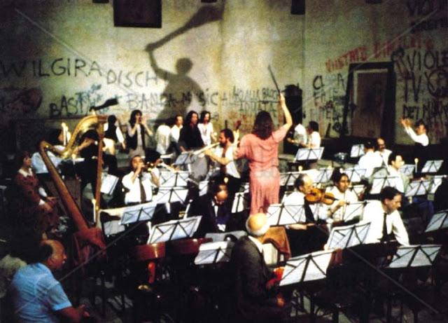 Análise Crítica – Ensaio de Orquestra