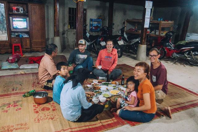 Ha Giang | family dinner | Wietnam