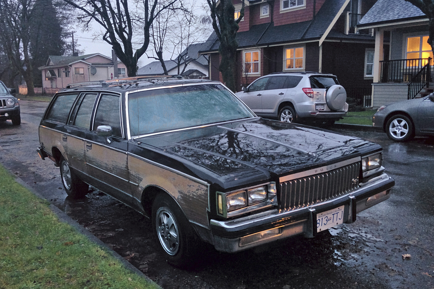 Old Parked Cars Vancouver: 1983 Buick Regal Estate Wagon