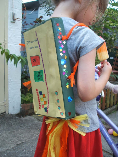 Making a shoebox jetpack: a creative, upcycling idea for kids, craft, create