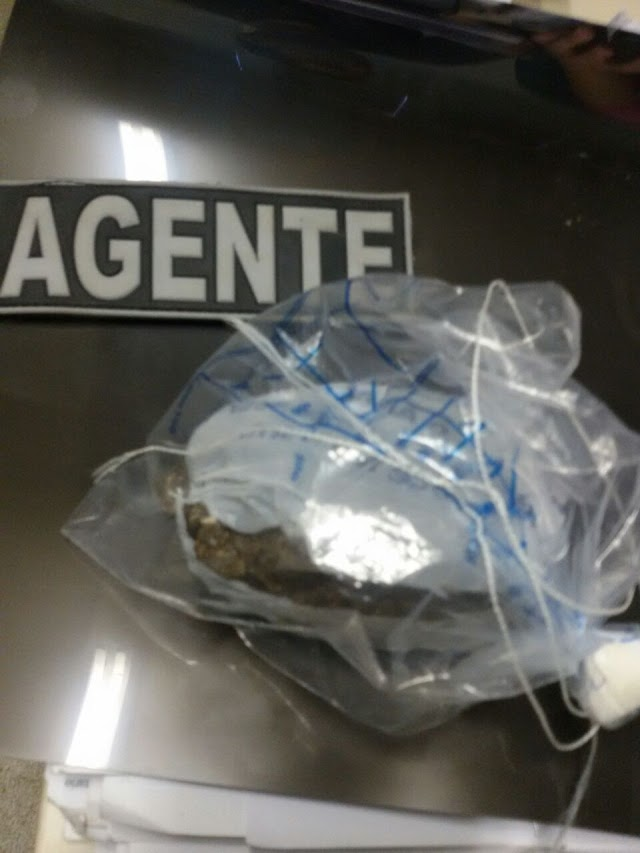 Mulher é presa tentando entrar com droga no presídio regional de Pau dos Ferros