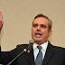 Presidente destituye a 110 representantes consulares; la mayoría estaba en Haití
