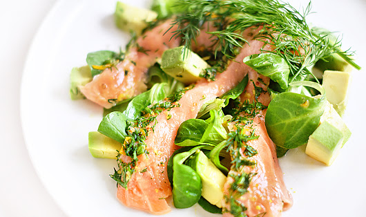 Lakatwalk - a fashion and lifestyle blog.: Light 5 minute Summer Salmon & Citrus Salad.